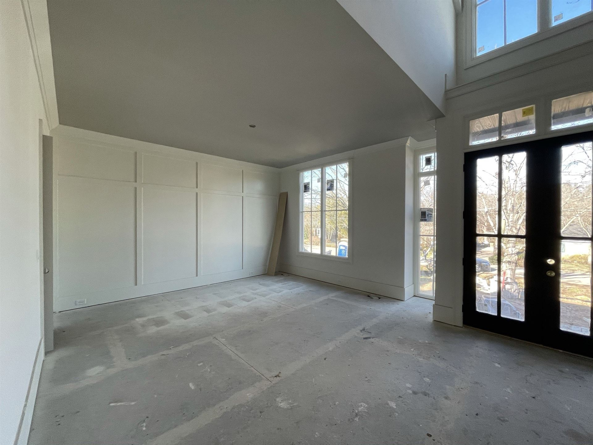 Photo of 2847 Sugartree Rd, Nashville, TN 37215 (MLS # 2212804)
