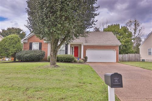 Photo of 2813 Sutherland Dr, Thompsons Station, TN 37179 (MLS # 2299811)