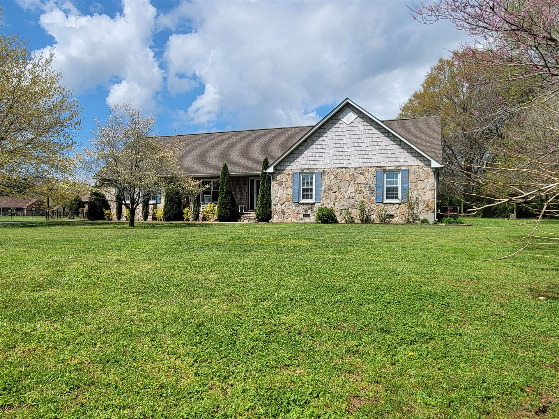 Photo for 249 Wakefield Dr, Manchester, TN 37355 (MLS # 2242814)