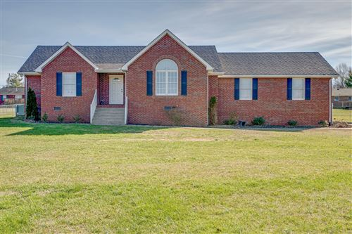 Photo of 1002 Lakeview Cir, Dickson, TN 37055 (MLS # 2156816)