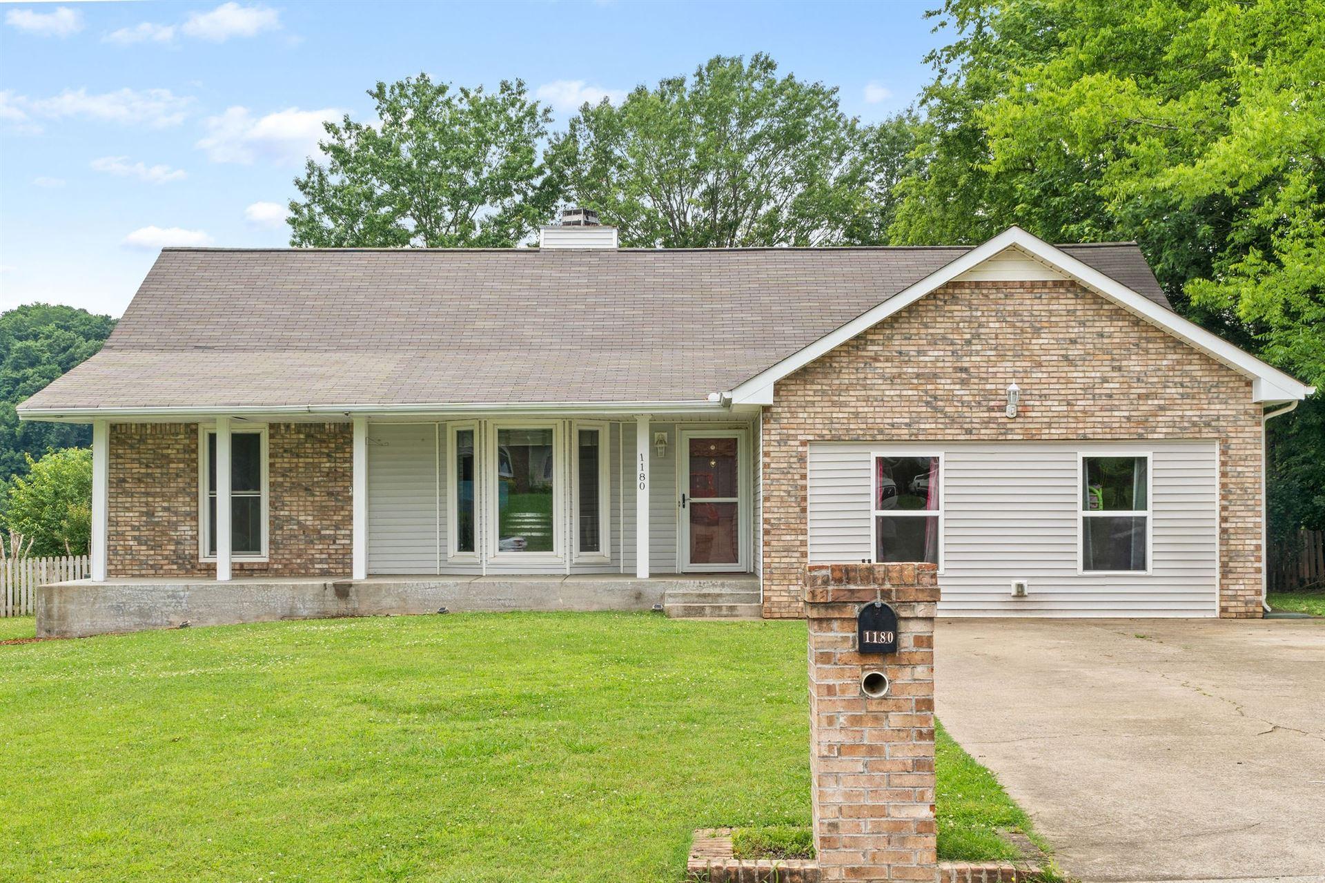 1180 Willow Bend Dr, Clarksville, TN 37043 - MLS#: 2261828