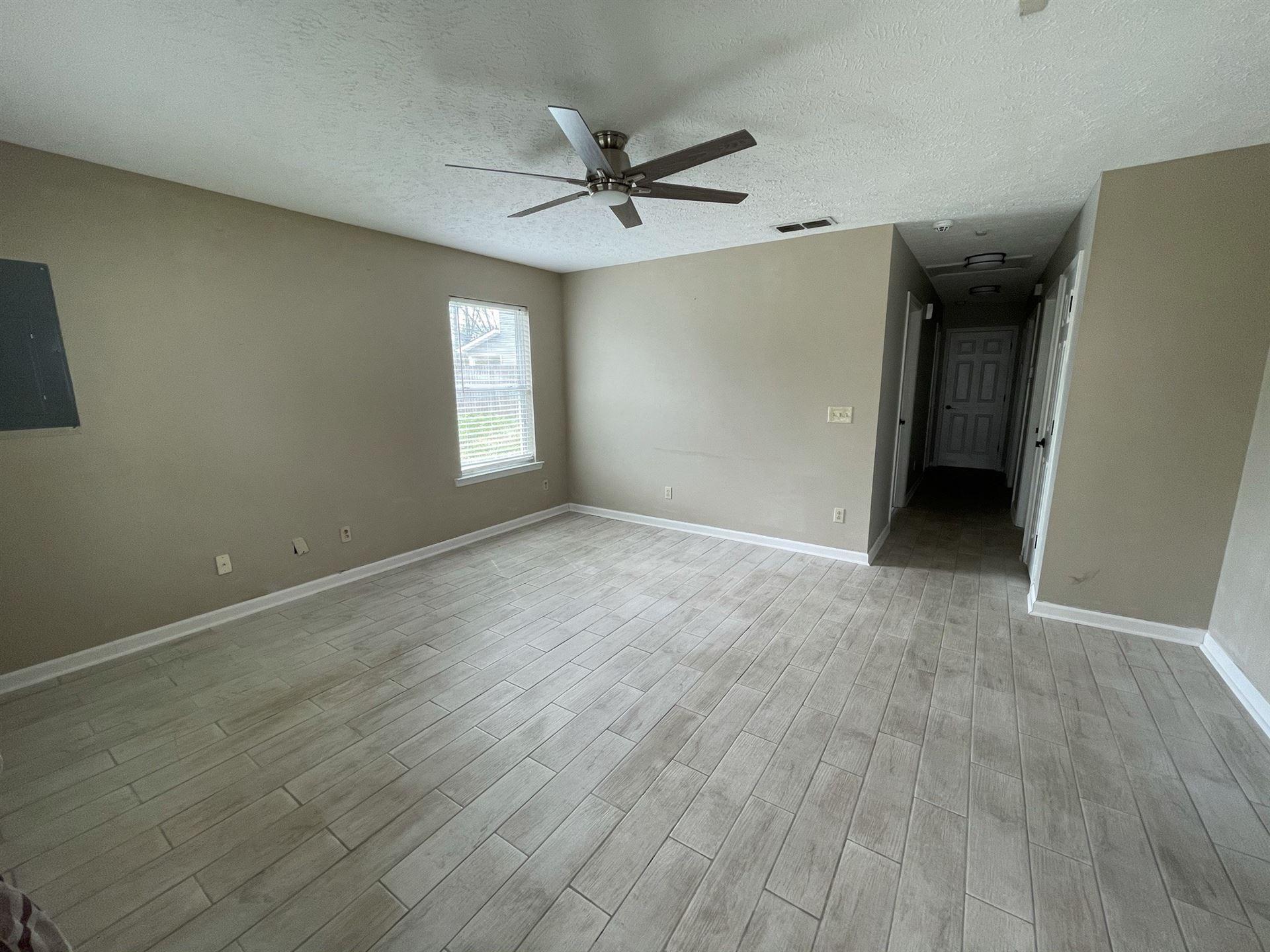 Photo of 546 E Sevier St, Murfreesboro, TN 37130 (MLS # 2242835)