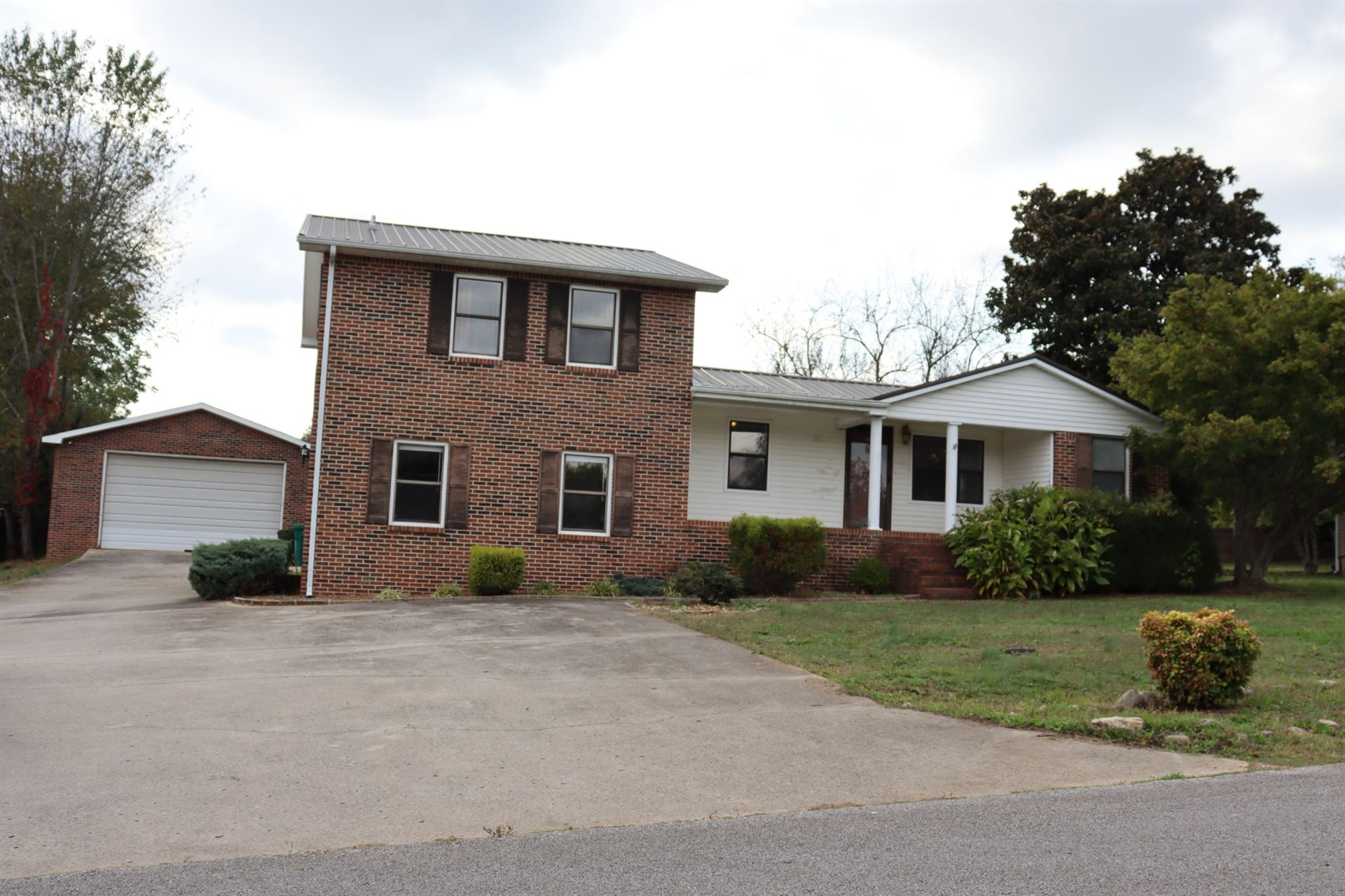 304 Russell St, Winchester, TN 37398 - MLS#: 2199836