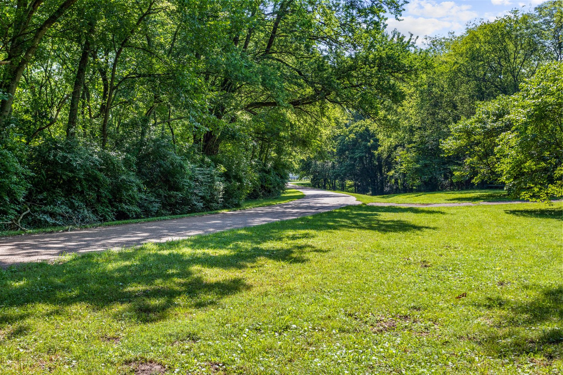 Photo of 1709 Old Hillsboro Rd, Franklin, TN 37069 (MLS # 2179837)