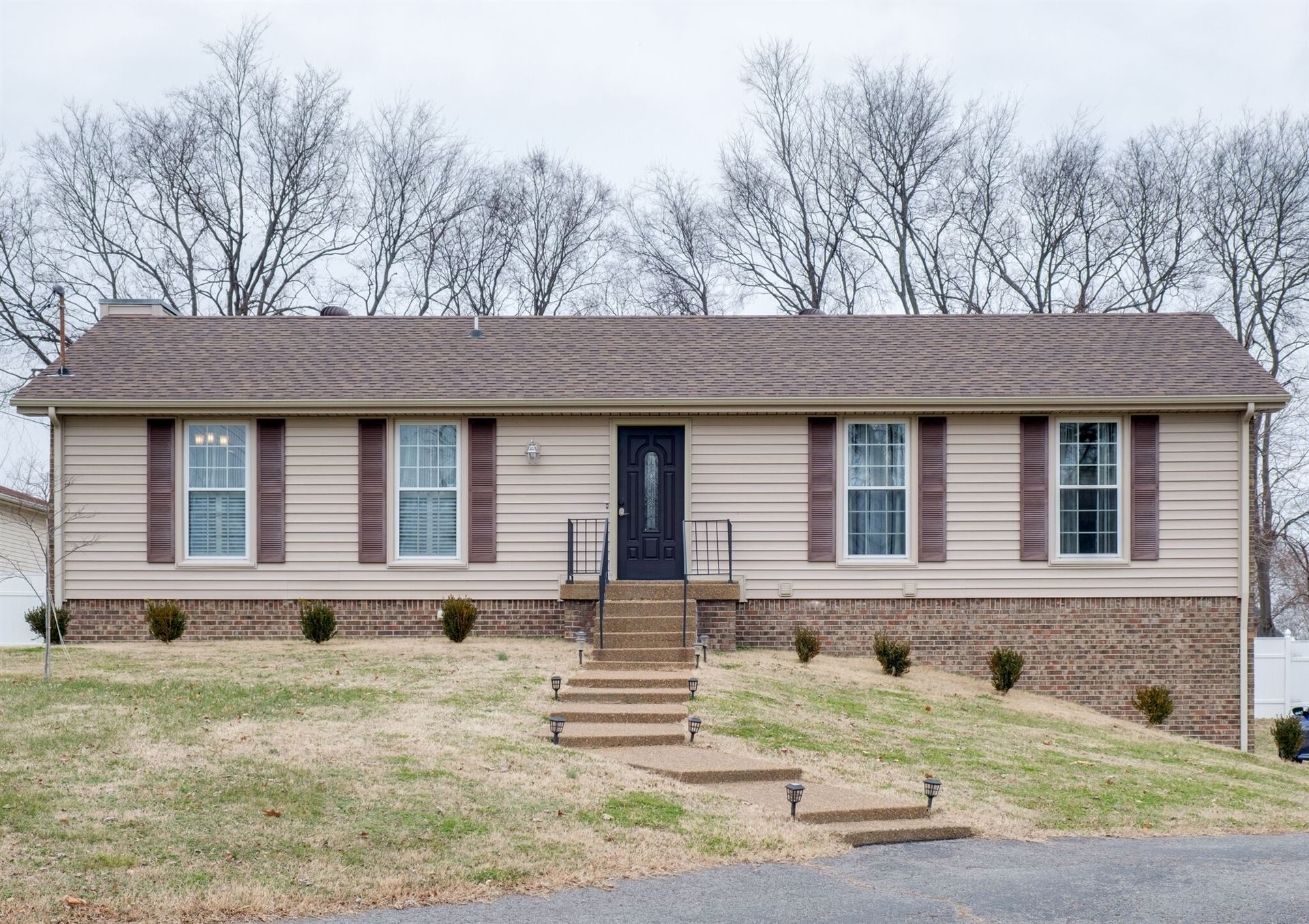 325 W Overhill Dr, Old Hickory, TN 37138 - MLS#: 2218856