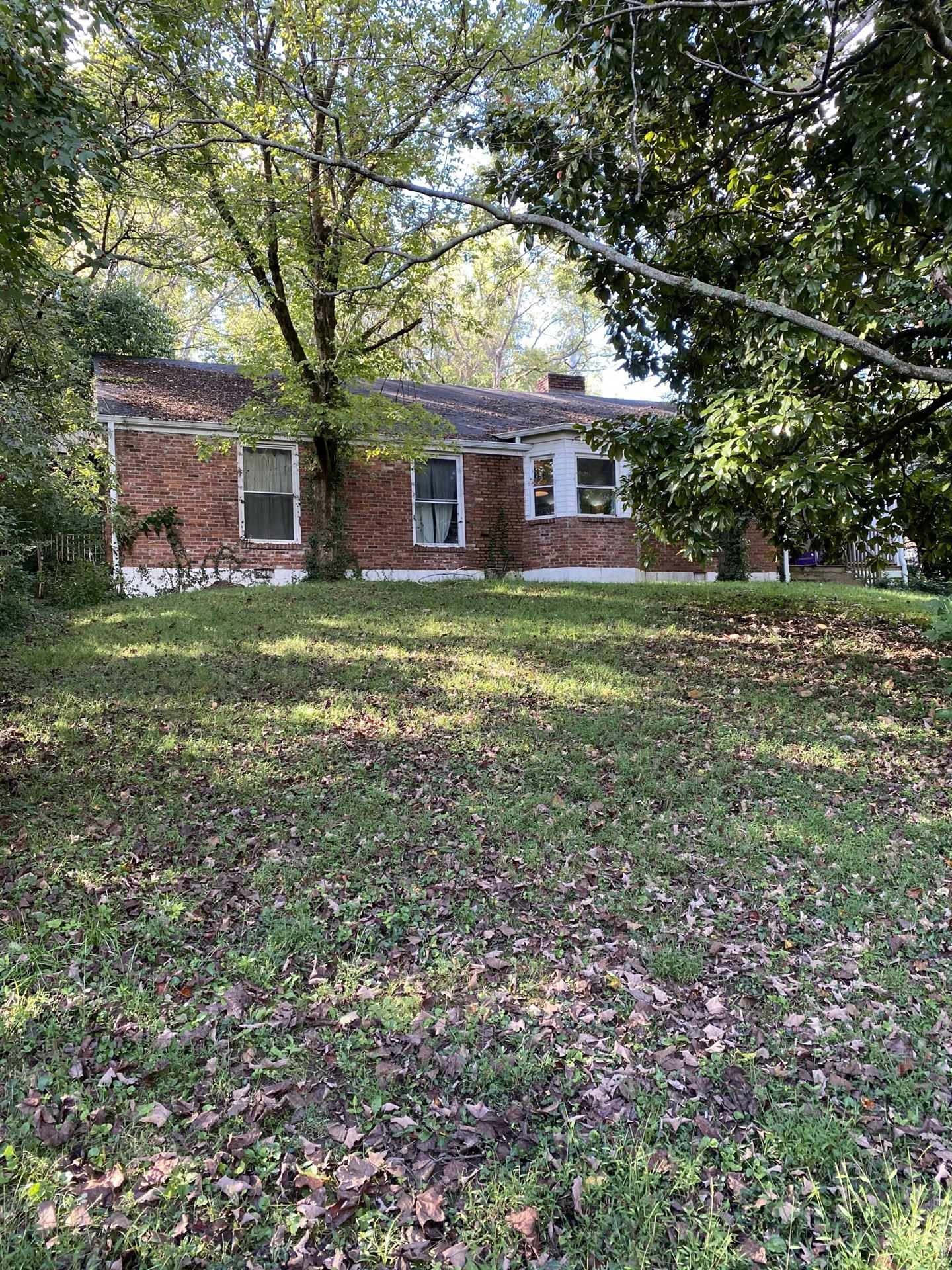 Photo of 822 Sutton Hill Rd, Nashville, TN 37204 (MLS # 2299865)