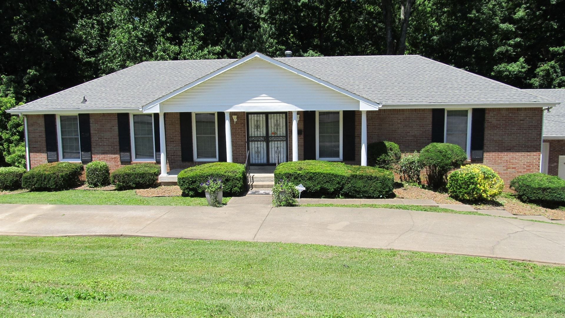 251 E Porters Bluff Rd, Clarksville, TN 37040 - MLS#: 2184868