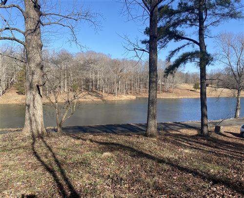 Photo of 926 Lake Rd, Westmoreland, TN 37186 (MLS # 2220870)