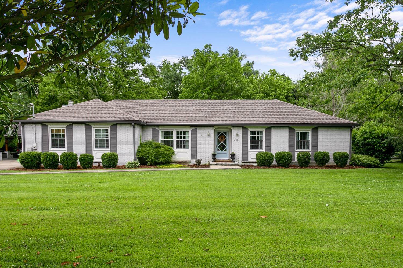 Photo of 201 Ridgewood Rd, Franklin, TN 37064 (MLS # 2261871)