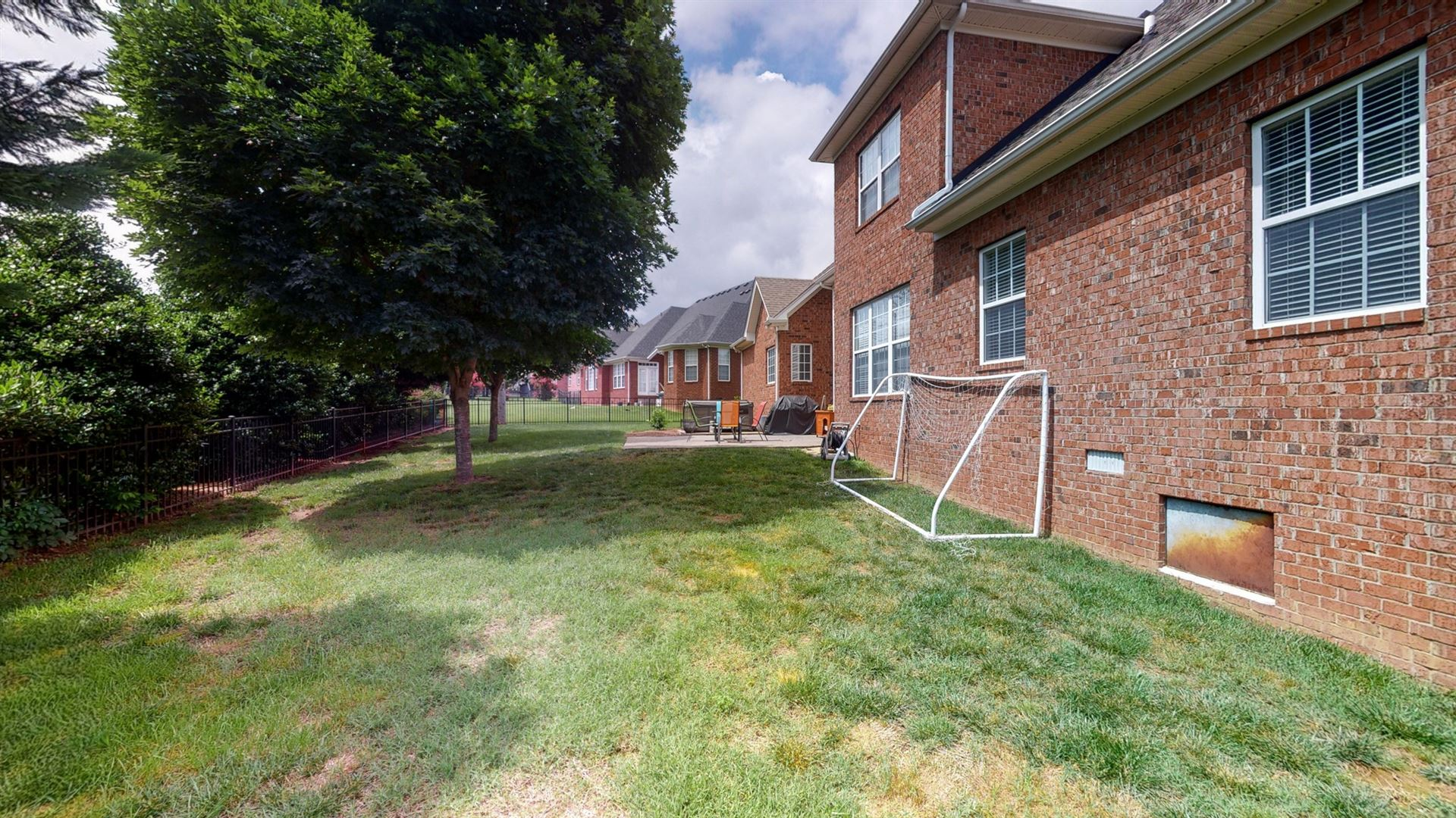 Photo of 2012 Gweneth Dr, Spring Hill, TN 37174 (MLS # 2261872)
