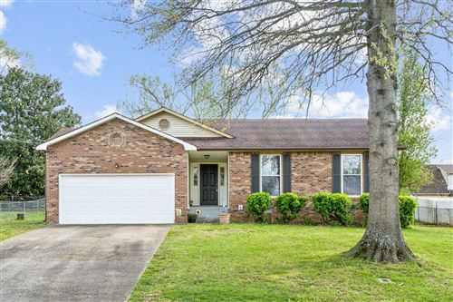 Photo of 318 Candlewood Dr, Clarksville, TN 37043 (MLS # 2242876)
