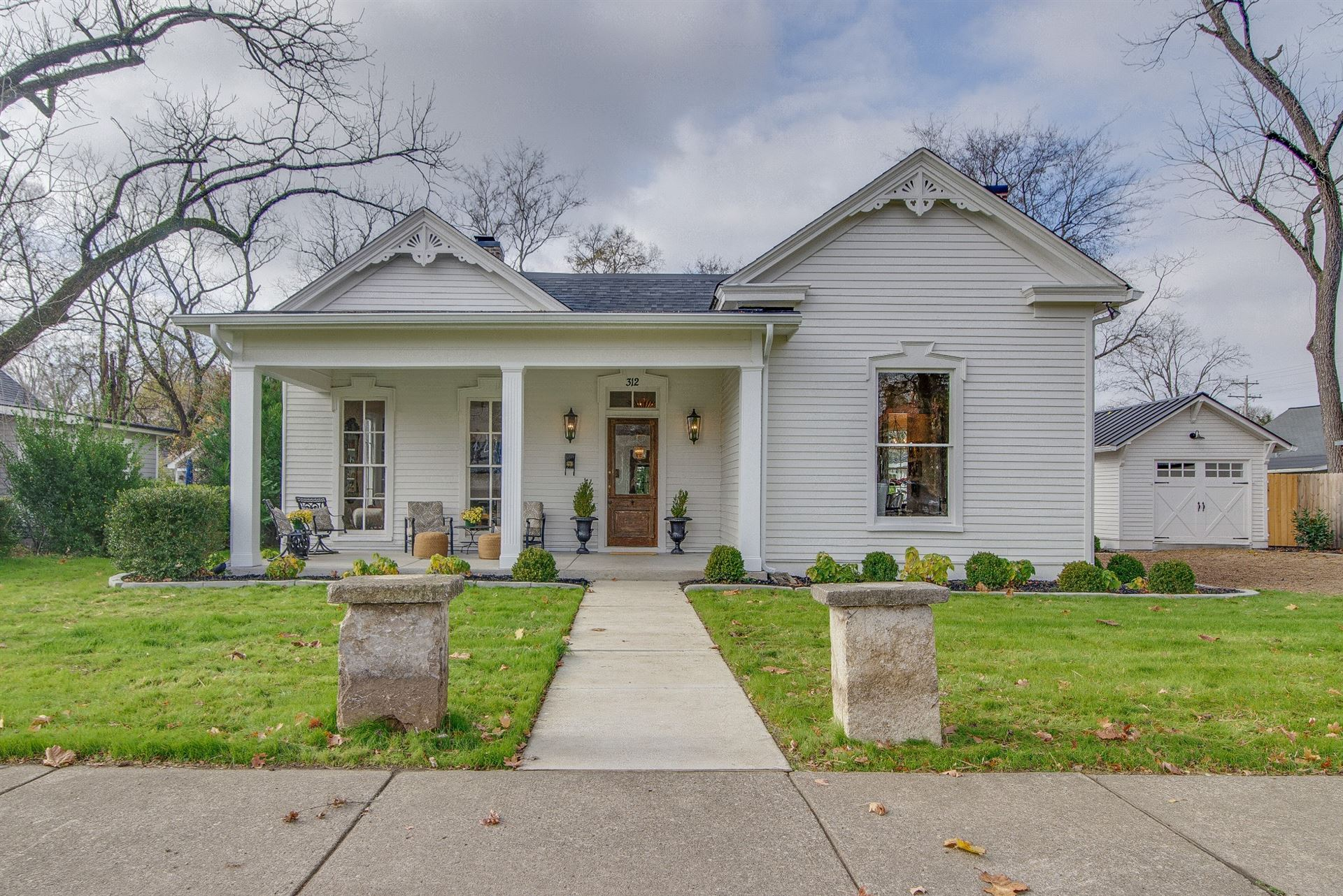 Photo of 312 3rd Ave S, Franklin, TN 37064 (MLS # 2209882)