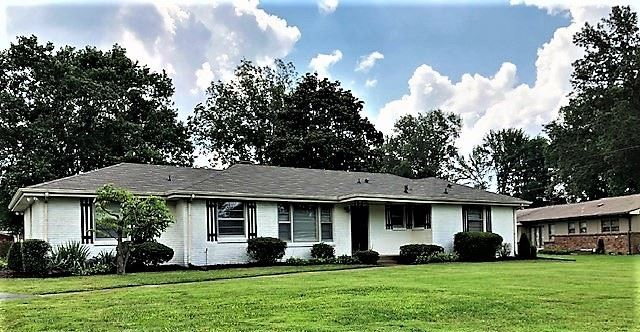 Photo of 195 Maxwell Dr, Clarksville, TN 37043 (MLS # 2167892)