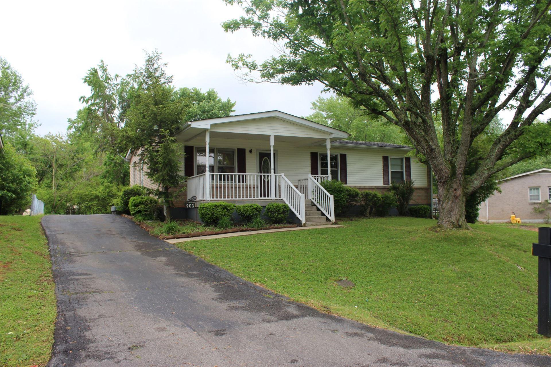 Photo of 903 Poplar Ave, Springfield, TN 37172 (MLS # 2250894)