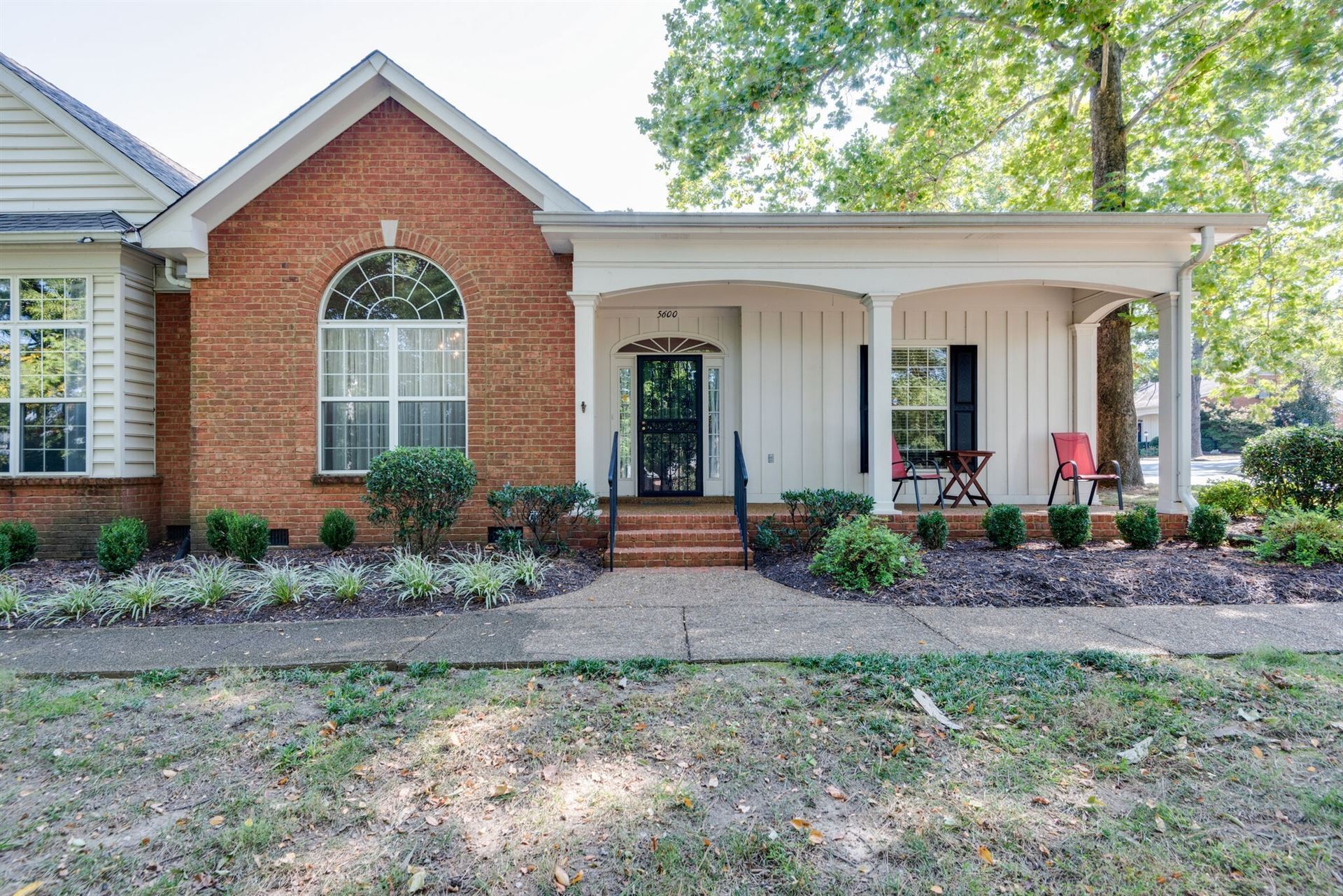 5600 Oakes Dr, Brentwood, TN 37027 - MLS#: 2220901