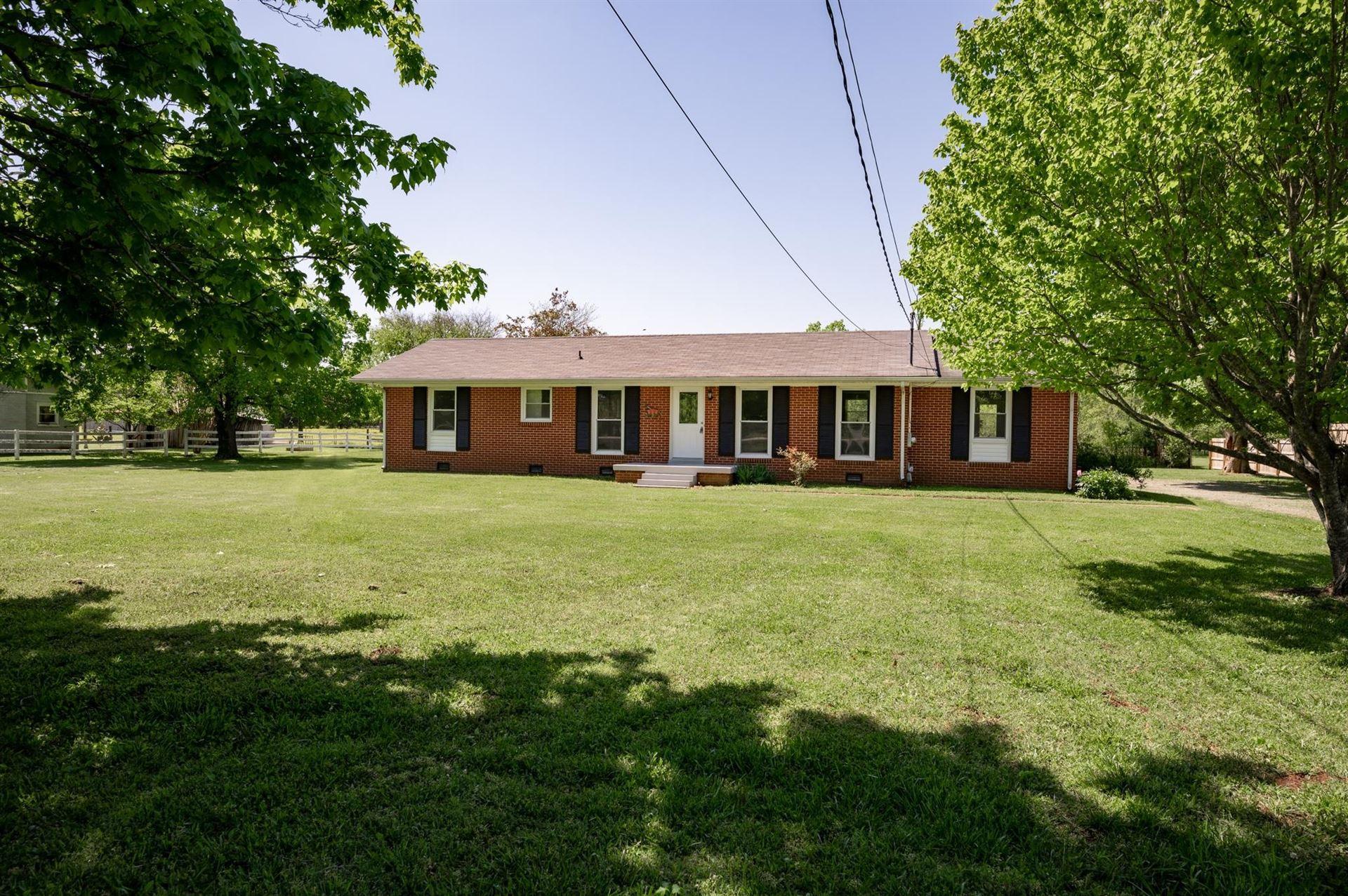 Photo of 4962 Bradyville Pike, Murfreesboro, TN 37127 (MLS # 2251906)