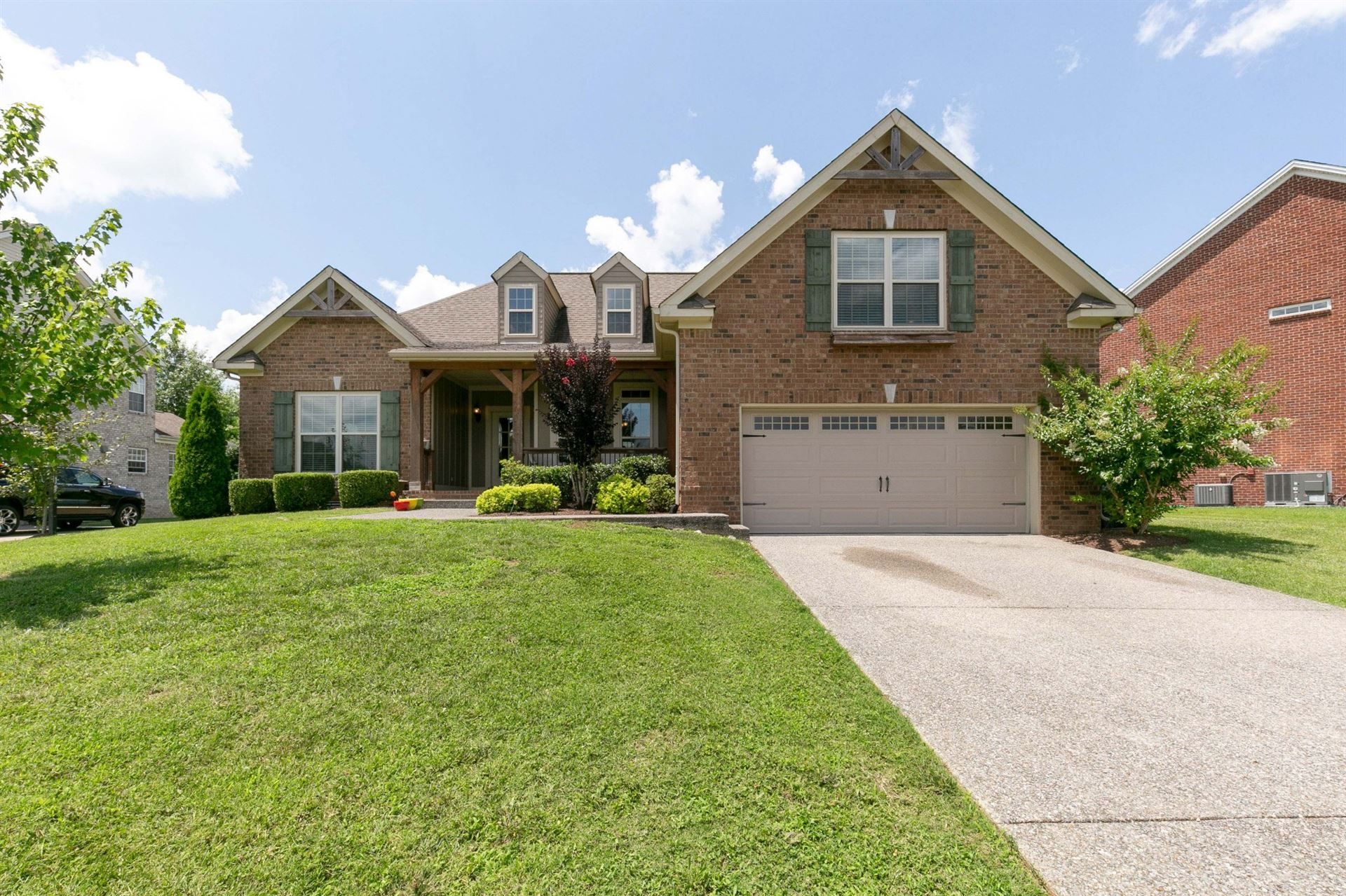 Photo of 1028 Queen's Place, Spring Hill, TN 37174 (MLS # 2272916)