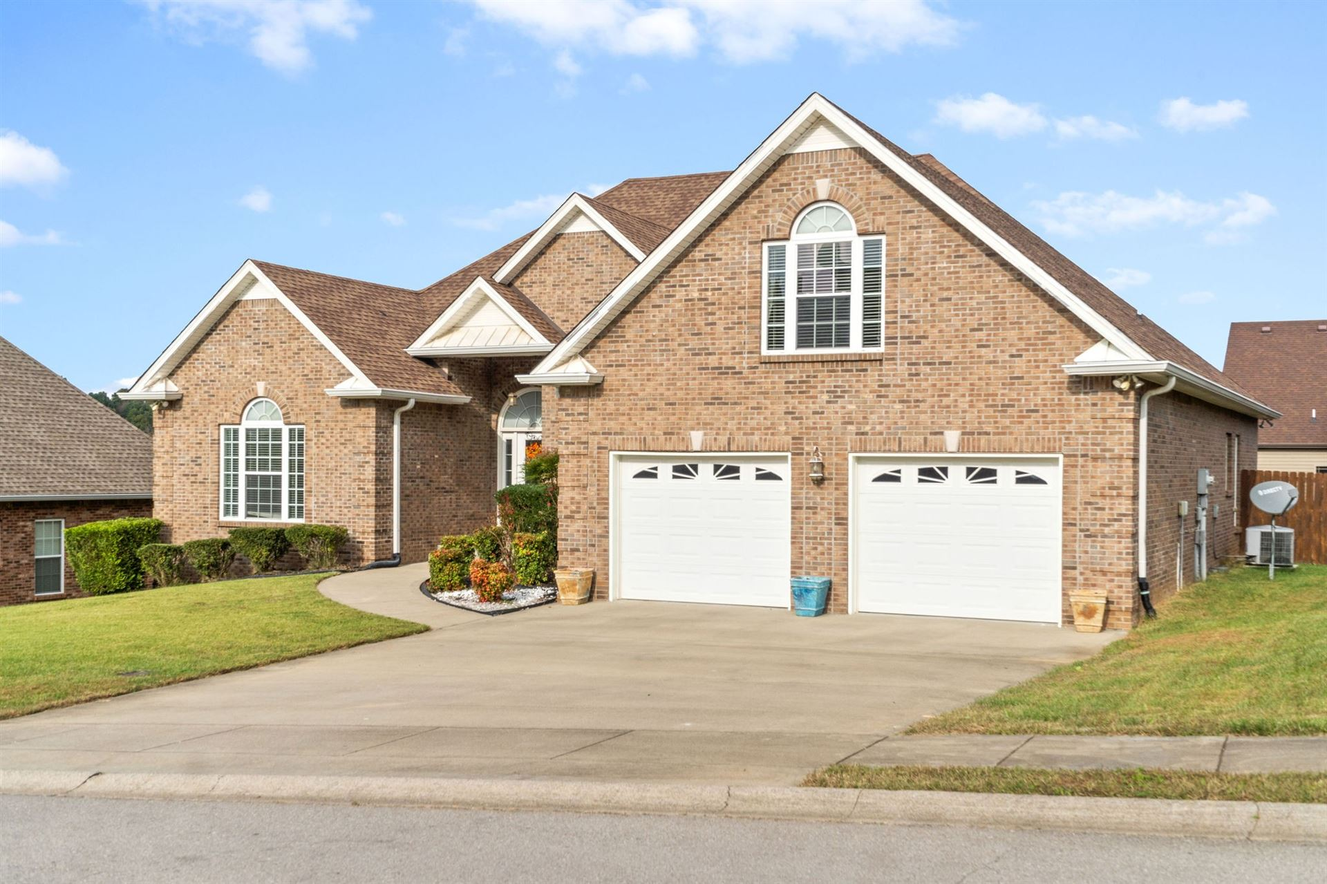 Photo of 225 Spring Terrace Ln, Clarksville, TN 37040 (MLS # 2302922)