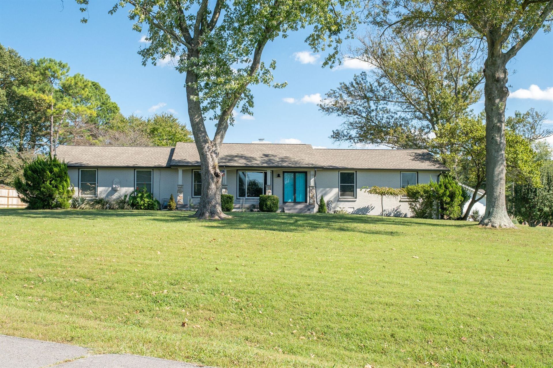121 Lake Vista Dr, Hendersonville, TN 37075 - MLS#: 2298931