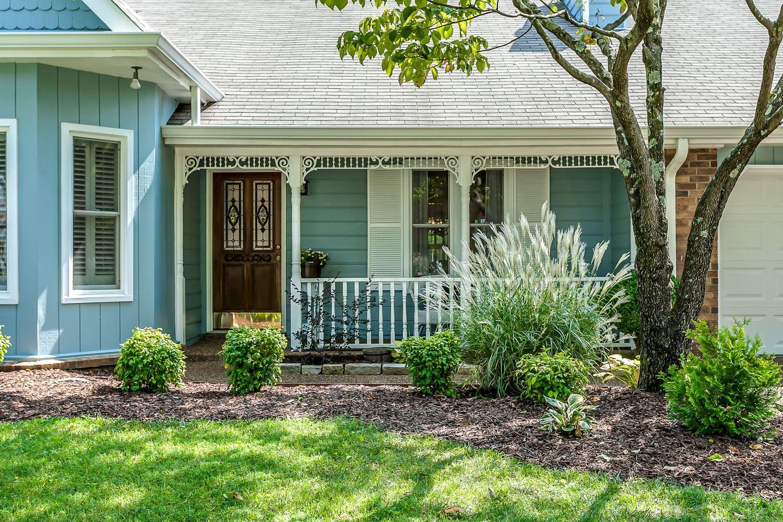 Photo of 613 Sugartree Ln, Franklin, TN 37064 (MLS # 2188935)