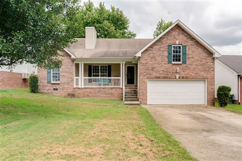 Photo of 248 Green Hills Dr, Springfield, TN 37172 (MLS # 2190940)