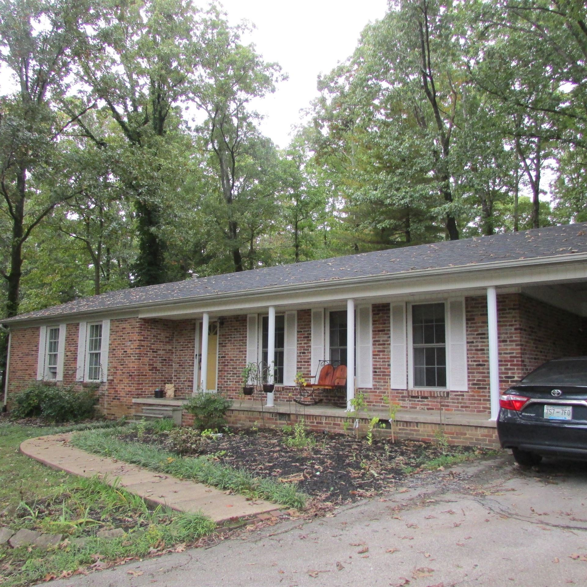 Photo of 310 Virginia Dr E, Lawrenceburg, TN 38464 (MLS # 2197945)
