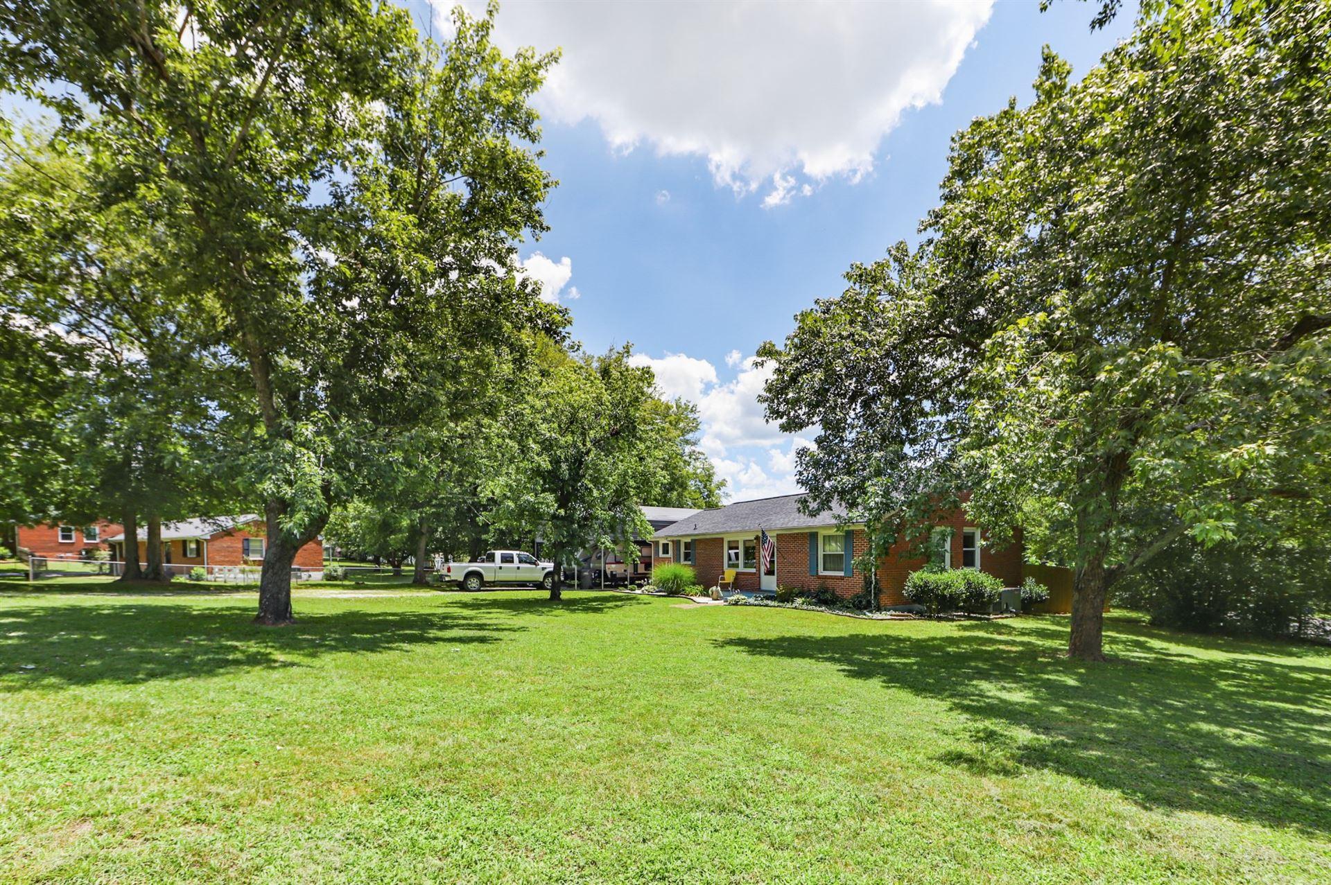 Photo of 201 Pleasant Dr, Columbia, TN 38401 (MLS # 2169958)