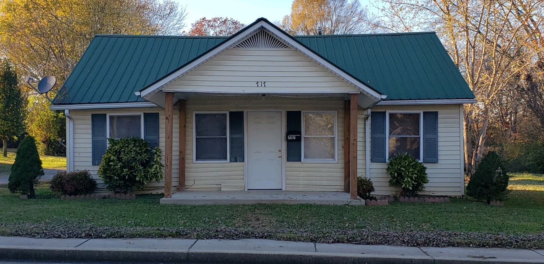 717 S Mountain St, Smithville, TN 37166 - MLS#: 2206964
