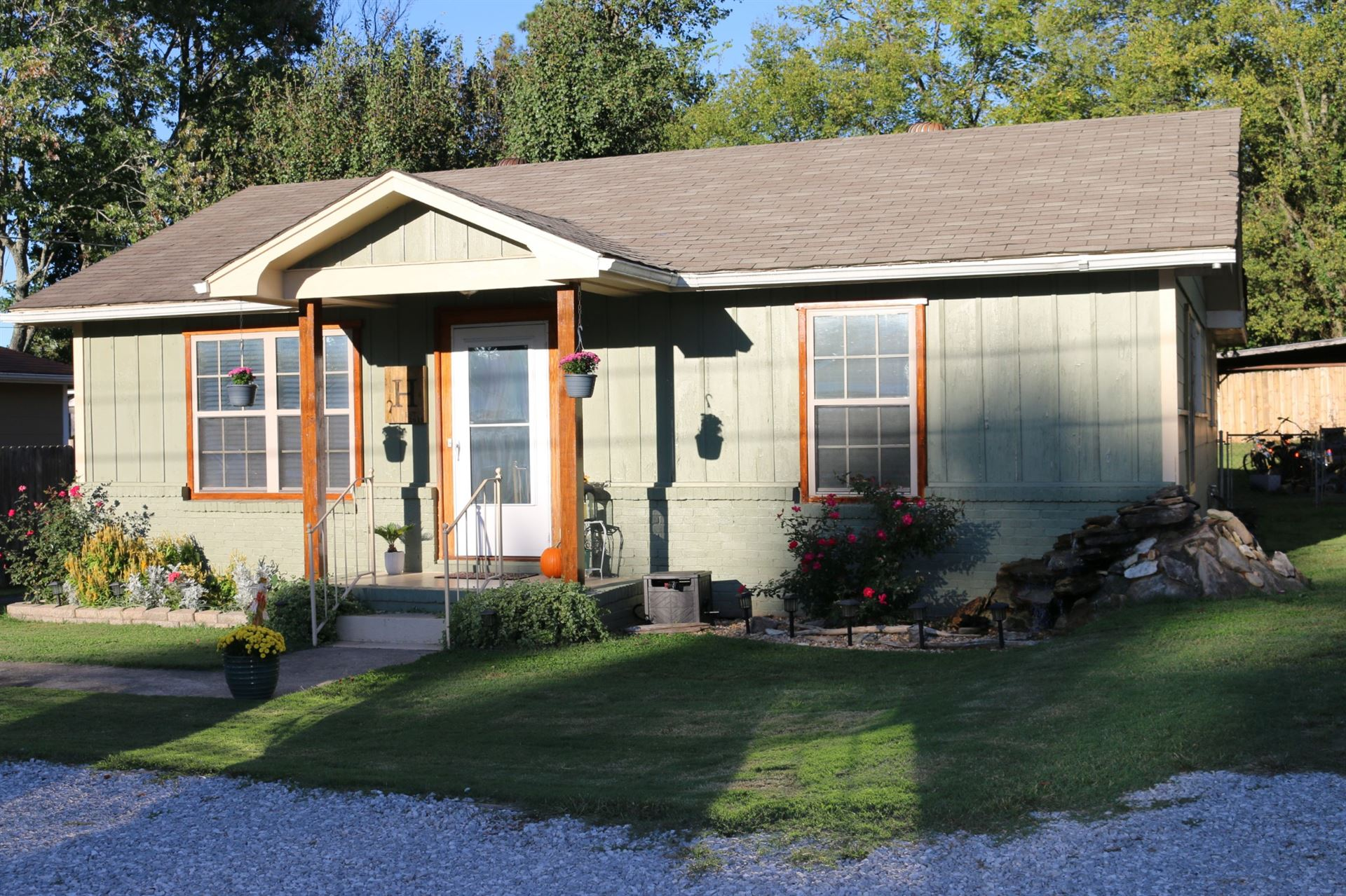 714 N Vine St, Winchester, TN 37398 - MLS#: 2293965