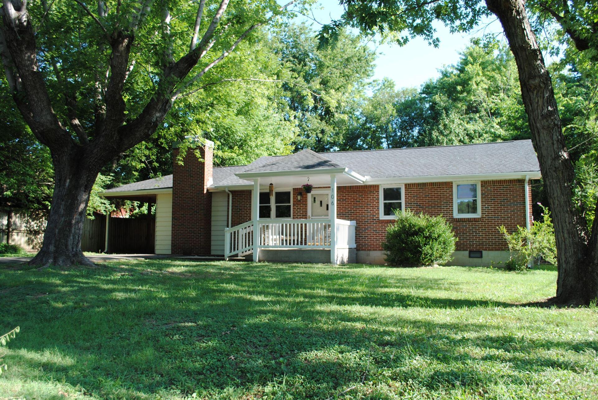 Photo of 106 Sherwood Ter, Franklin, TN 37064 (MLS # 2190967)