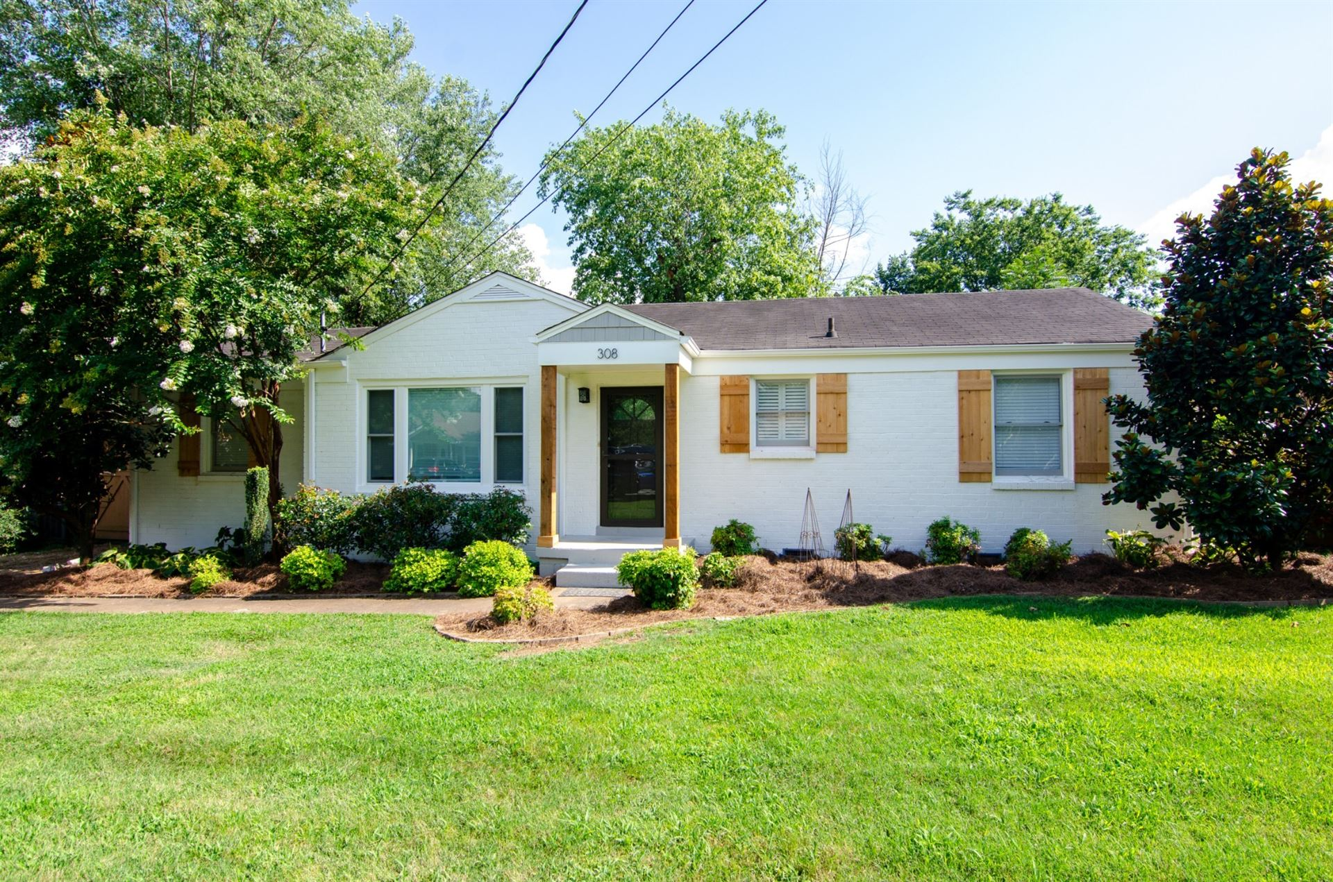 Photo of 308 James Ave, Franklin, TN 37064 (MLS # 2238974)