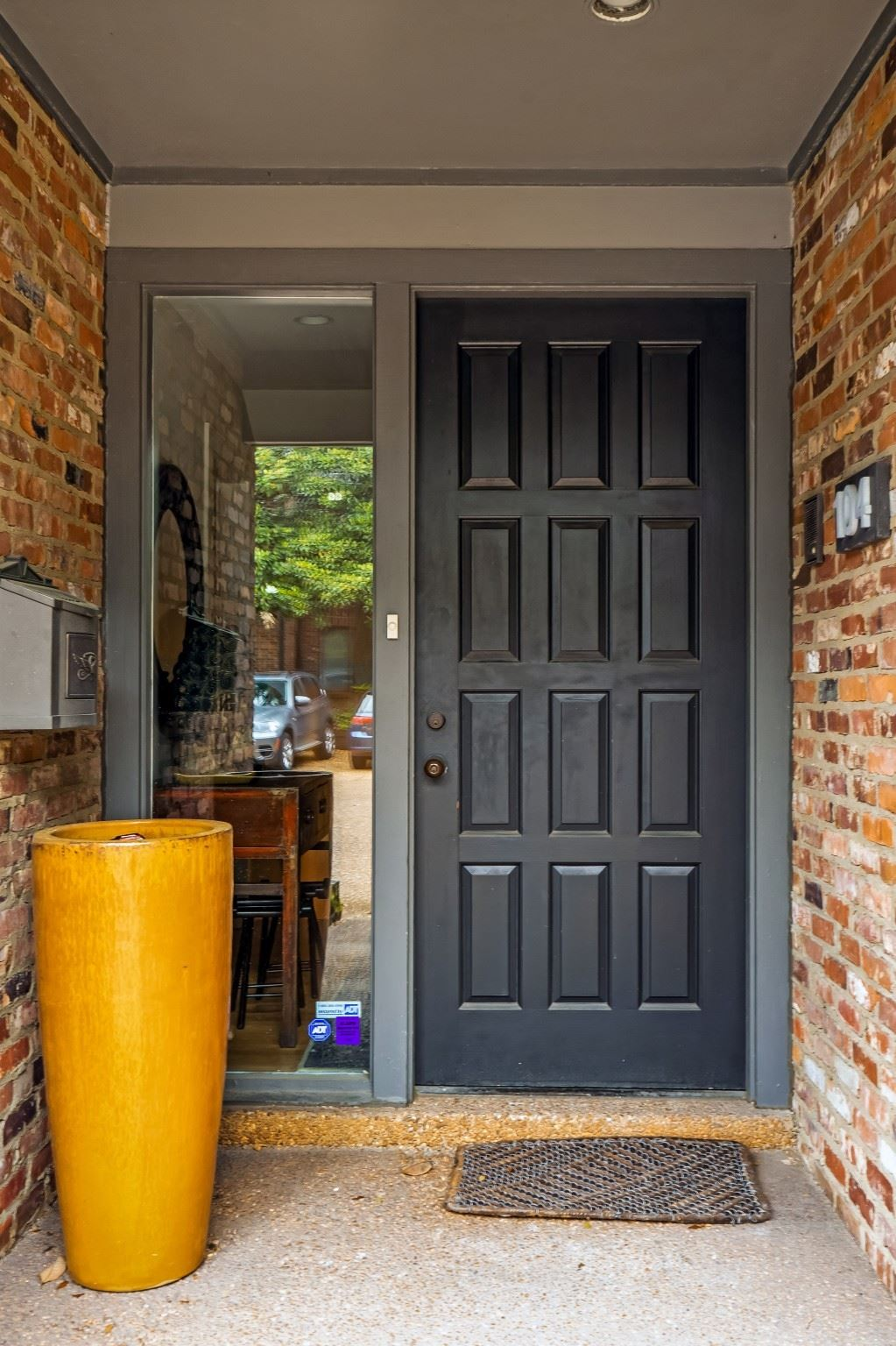 Photo of 104 Hampton Pl, Nashville, TN 37215 (MLS # 2261979)