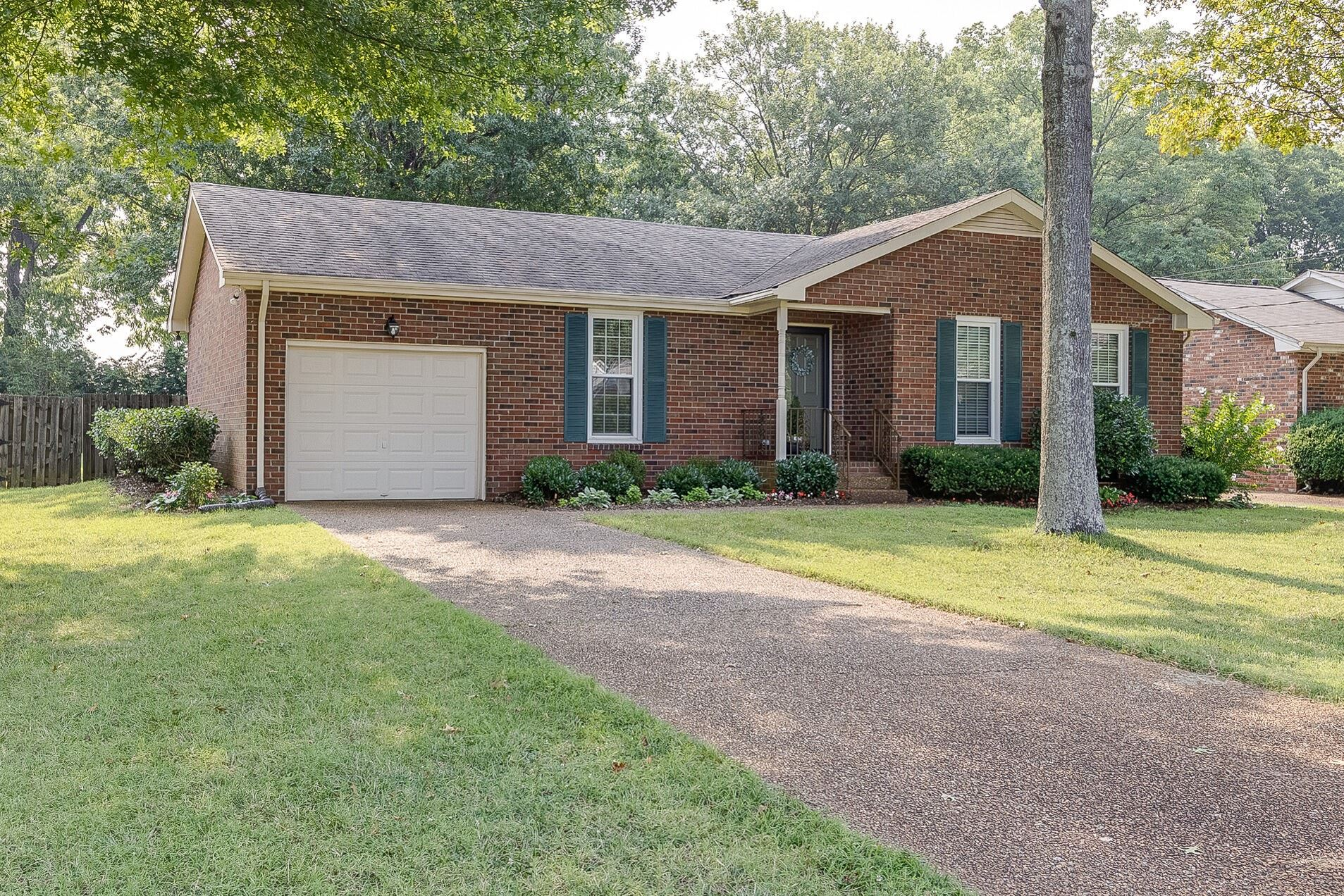 Photo of 5640 Oakes Dr, Brentwood, TN 37027 (MLS # 2275989)