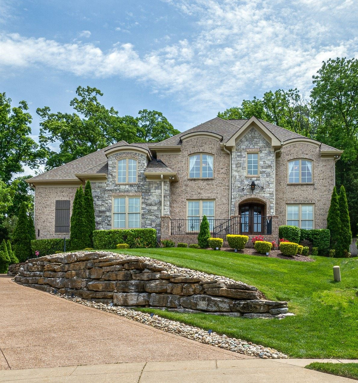 Photo of 437 Beauchamp Cir, Franklin, TN 37067 (MLS # 2252992)