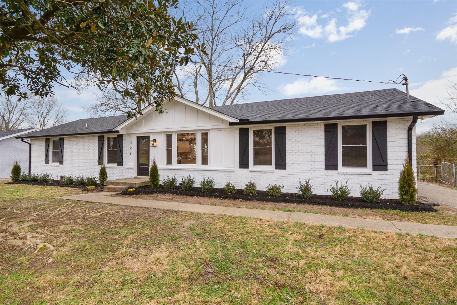 221 Wessington Pl, Hendersonville, TN 37075 - MLS#: 2229996