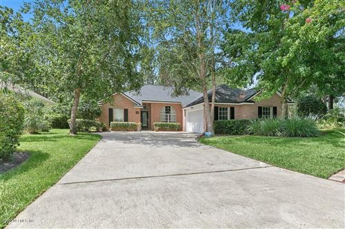 Photo of 401 BUCKEYE LN E, ST JOHNS, FL 32259 (MLS # 1064046)