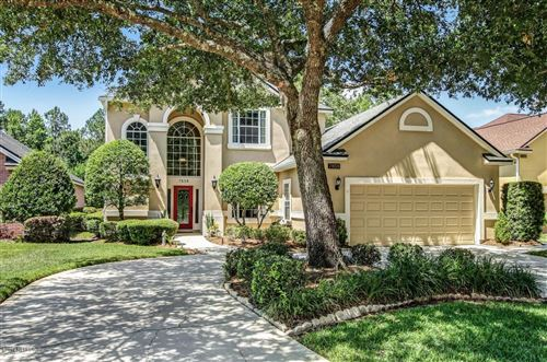 Photo of 7858 HEATHER LAKE CT E, JACKSONVILLE, FL 32256 (MLS # 997062)