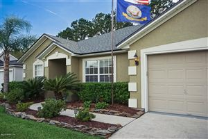 Photo of 15804 CANOE CREEK DR, JACKSONVILLE, FL 32218 (MLS # 995065)