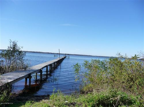 Photo of 451 FEDERAL POINT RD, EAST PALATKA, FL 32131 (MLS # 1027097)