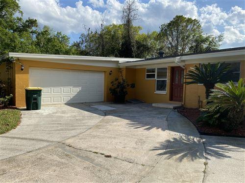 Photo of 8030 SANTILLO DR, JACKSONVILLE, FL 32217 (MLS # 1046101)