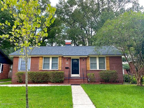 Photo of 805 OLD HICKORY RD, JACKSONVILLE, FL 32207 (MLS # 1075104)