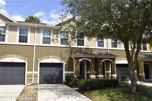Photo of 13353 SOLAR DR, JACKSONVILLE, FL 32258 (MLS # 1108104)