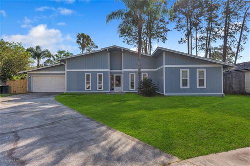 Photo of 10621 LA MANCHA AVE, JACKSONVILLE, FL 32257 (MLS # 1047128)