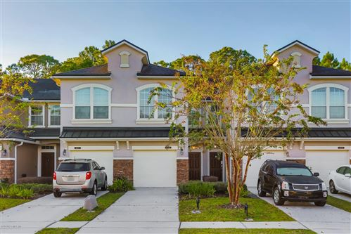 Photo of 6162 BARTRAM VILLAGE DR, JACKSONVILLE, FL 32258 (MLS # 1018133)