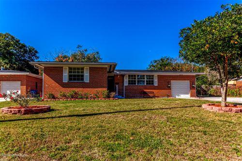 Photo of 2334 GAILLARDIA RD, JACKSONVILLE, FL 32211 (MLS # 1024139)