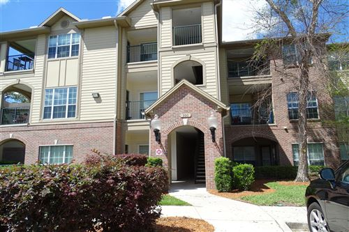 Photo of 7800 POINT MEADOWS DR, JACKSONVILLE, FL 32256 (MLS # 1047174)