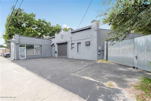 Photo of 7030 N MAIN ST, JACKSONVILLE, FL 32208 (MLS # 1074254)