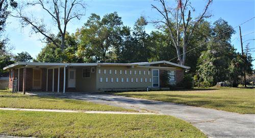 Photo of 7590 KNOLL DR, JACKSONVILLE, FL 32221 (MLS # 1027361)