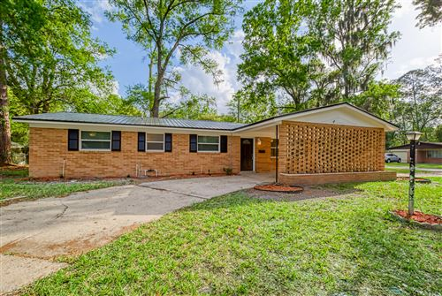 Photo of 4606 SILVER RIDGE DR, JACKSONVILLE, FL 32207 (MLS # 1045434)