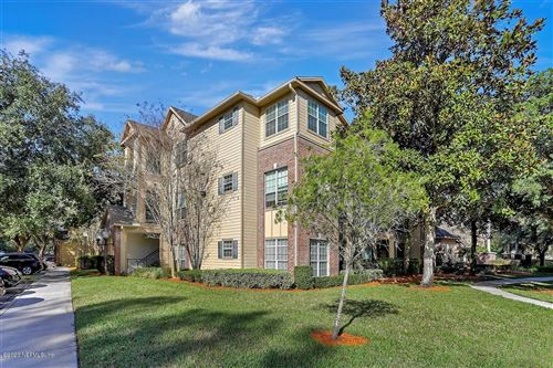 Photo of 7800 POINT MEADOWS DR, JACKSONVILLE, FL 32256 (MLS # 1035455)